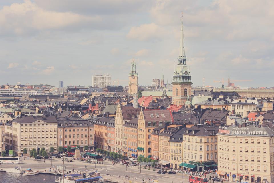 Från Ryssland till Sverige